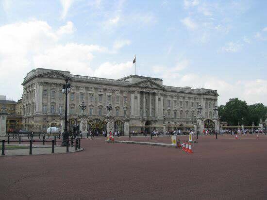 london_b24